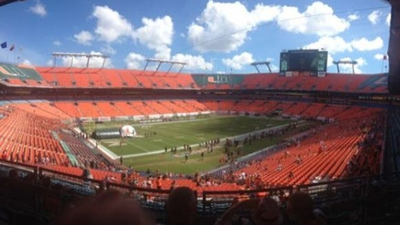 2012-09-29-ncaaf-miami-hurricanes-stadium