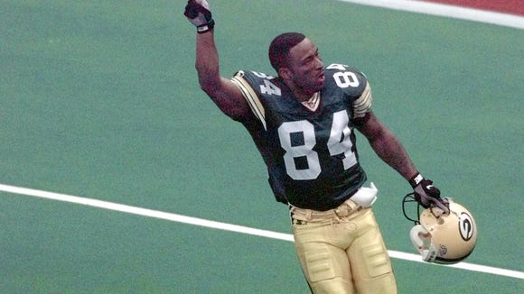 10 02 2012 Andre Rison finger pointing