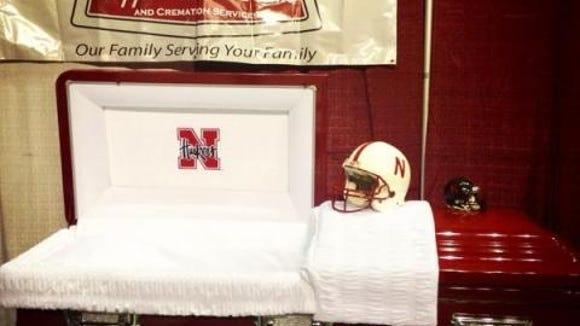 2012-10-4-nebraska-casket