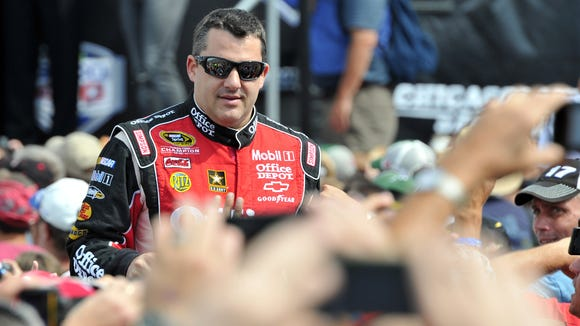 2012-10-5 tony stewart bass pro shopts