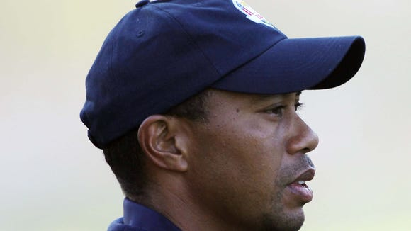 10 22 2012 Tiger Woods looking right