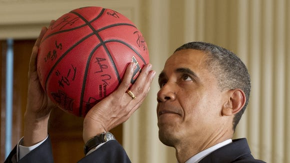 2012-10-27-ObamaHoops