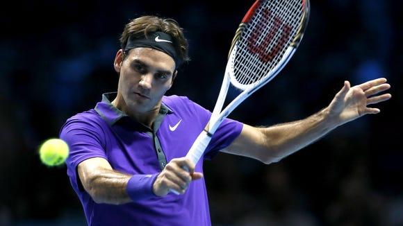 2012-11-07 Roger Federer purple backhand