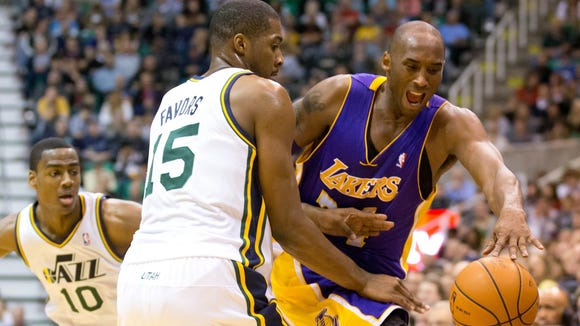 Kobe Bryant, Derrick Favors