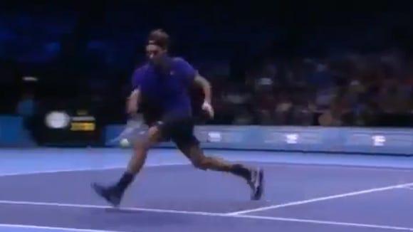 2012-11-13 Federer shot