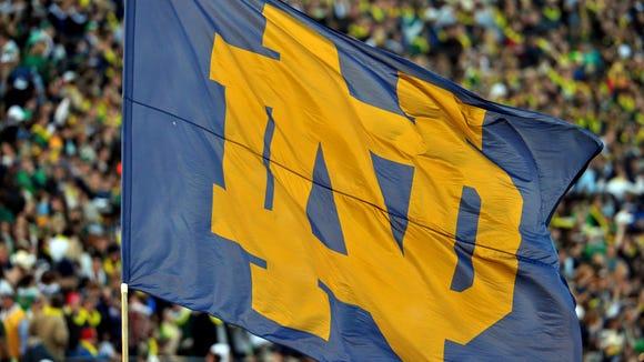 2012-11-20-notre-dame-flag