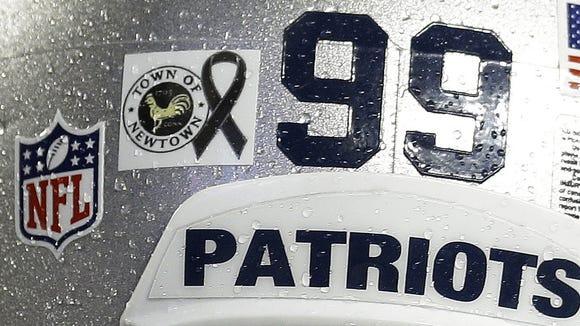 2012-12-16-patriots-newtown