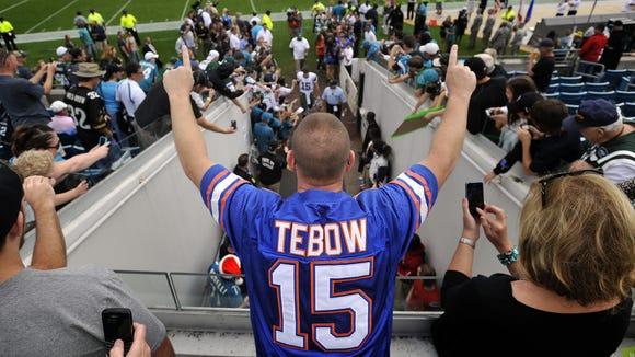 2012-12-22-tebow-fan