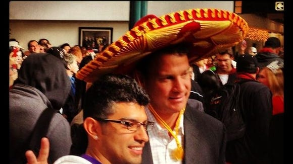 20121227kiffinsombrero