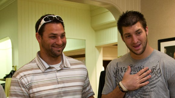 2010-4-15-Tebow-brother-2