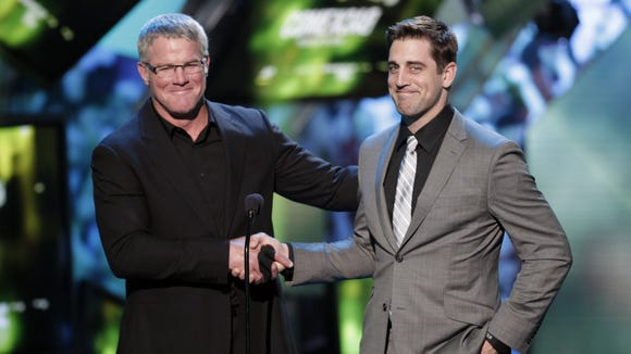 2013-02-03-favre-rodgers