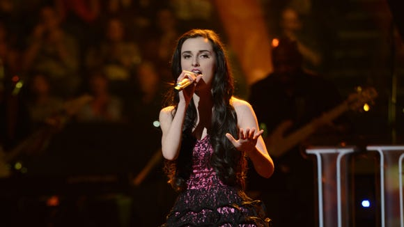 Jenny Beth Willis performs in the Sudden Death Round of AMERICAN IDOL
