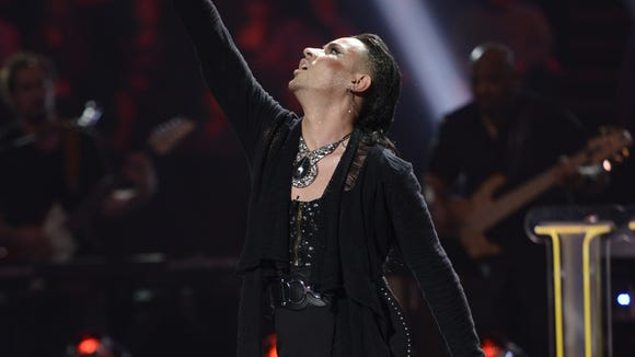 J'DA performs in the Sudden Death Round of AMERICAN IDOL.