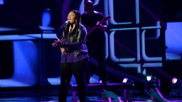Candice Glover performs on AMERICAN IDOL.