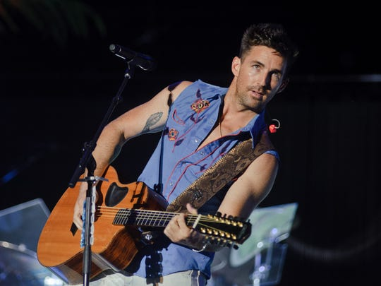 Jake Owen performs on at Country Thunder Wisconsin