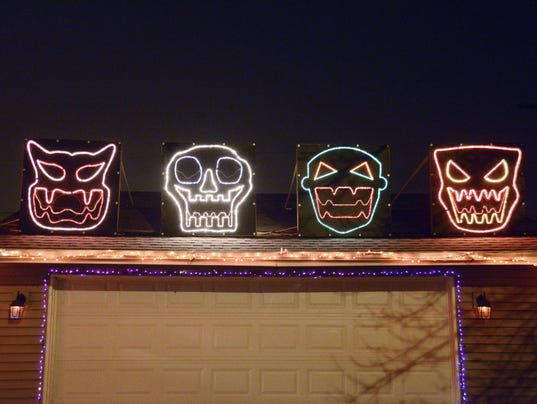 635811154202394901-MAN-Halloween-Lights-01