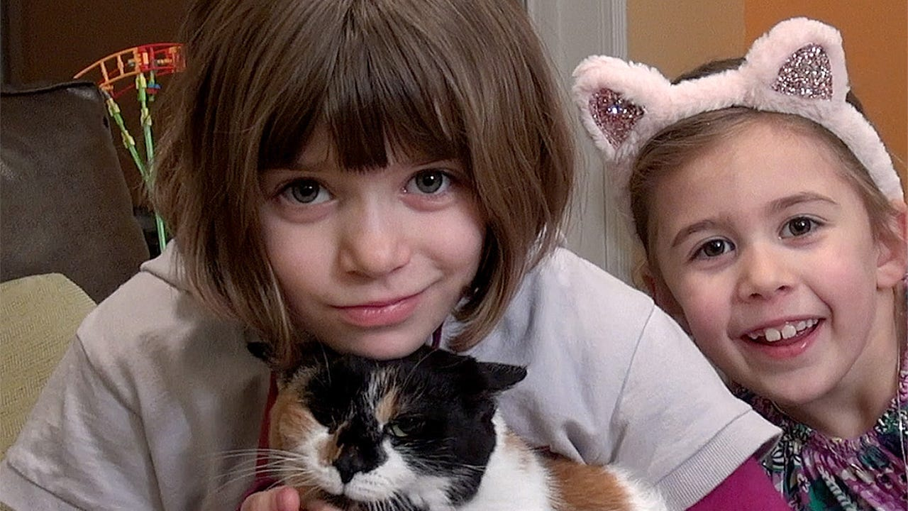 Zoe Zimmerman was diagnosed with heart disease while still in the womb and was operated on when just  1 day old. Now  9 years old, Zoe is nonchalant about her condition, and happily talks about her problem in order to help others.