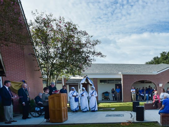 Teurlings Catholic High School holds ceremony to rename