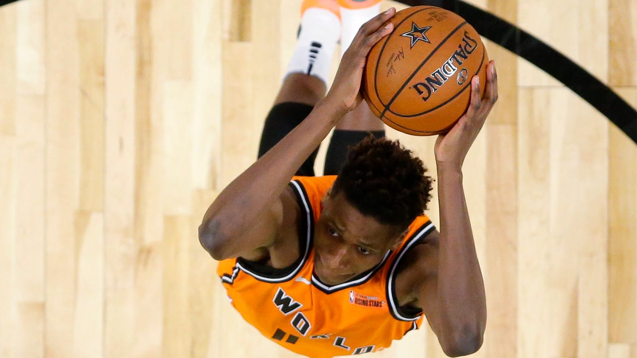 Sports columnist Steve Popper discusses his column about Knicks 19-year-old rookie point guard Frank Ntilikina and his first year in the league.