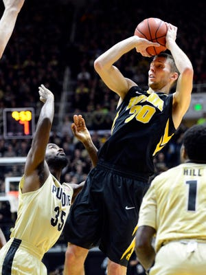 Iowa Hawkeyes forward Jarrod Uthoff  is averaging 18.9 points a game and 6.2 rebounds a game.