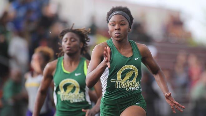 Lincoln's Shantel Ardley won a district title in the 100-meter dash on Saturday.