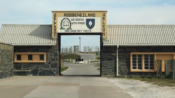 robben-island-entrance