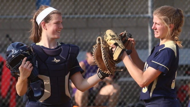 Caitlyn Logatto (left) and Angela Saric will help make Indian Hills a contender.