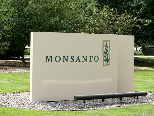 AP EARNS MONSANTO F FILE USA MO