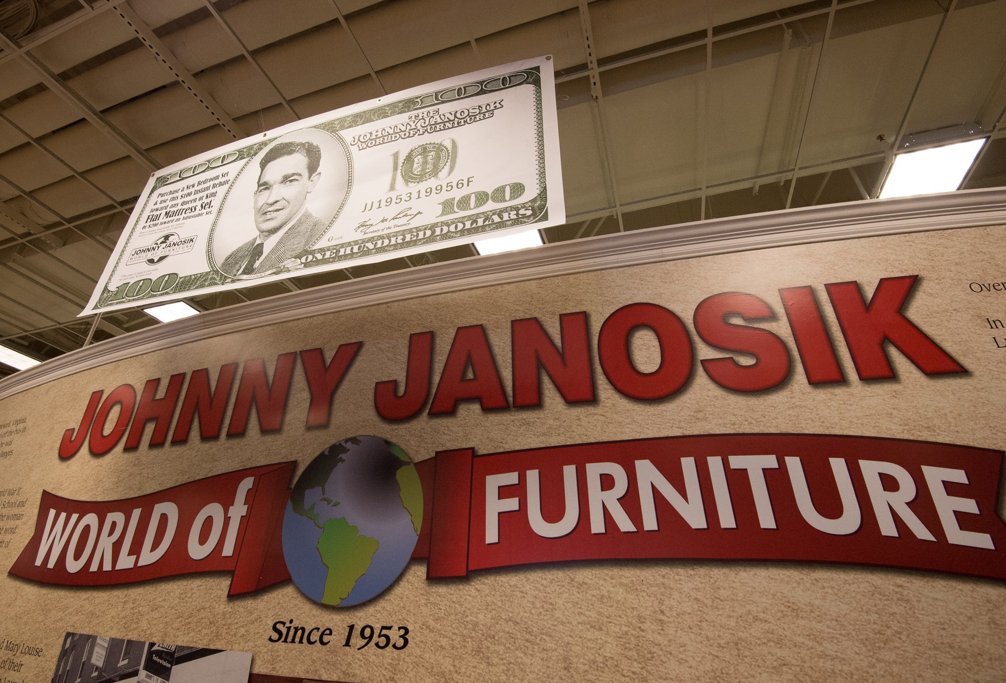 Ordinaire The Johnny Janosik World Of Furniture Store In Laurel