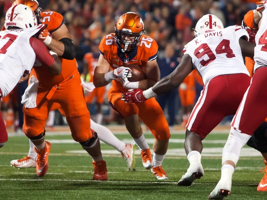 Illinois running back Mike Epstein will help carry