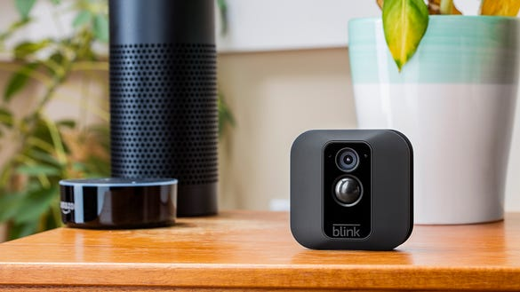 6 ways to prep your smart home before you go on vacation