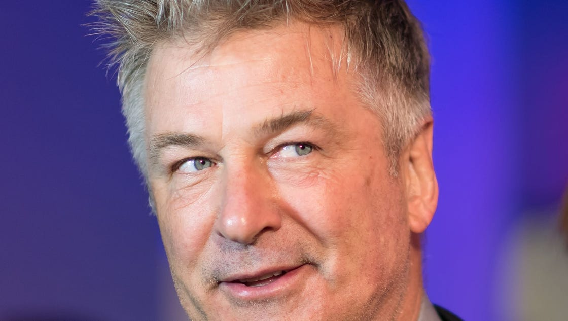Alec Baldwin talks completely, 100% uncensored about Donald Trump