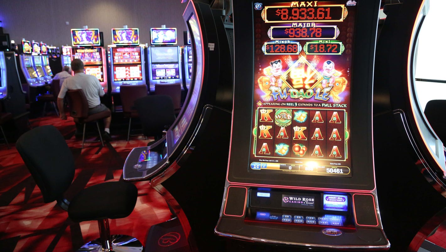 Charge dropped against frustrated gambler accused of hitting casino machine