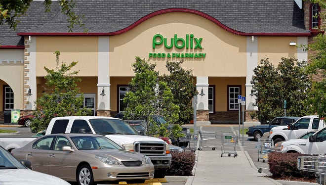 The front of the Publix supermarket in Zephyrhills, Fla., in 2013. An Alabama family has filed a wrongful death lawsuit after an 11-year-old boy died after eating a cookie purchased at a Publix in Clarksville, Tenn. The family says the cookie was not properly labeled that it contained food allergens.