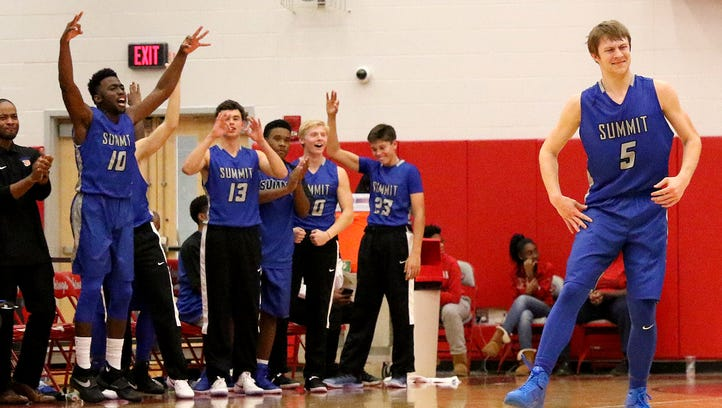 Summit Country Day blitzes Princeton to tip off the high school boys basketball season