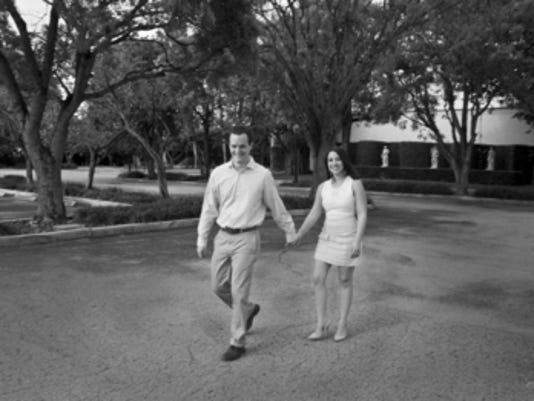 Engagements: Jonathan Sosnowski & Iriana Morales