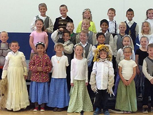 Three Peaks Elementary.-Mrs. Parker's 1st grade.JPG