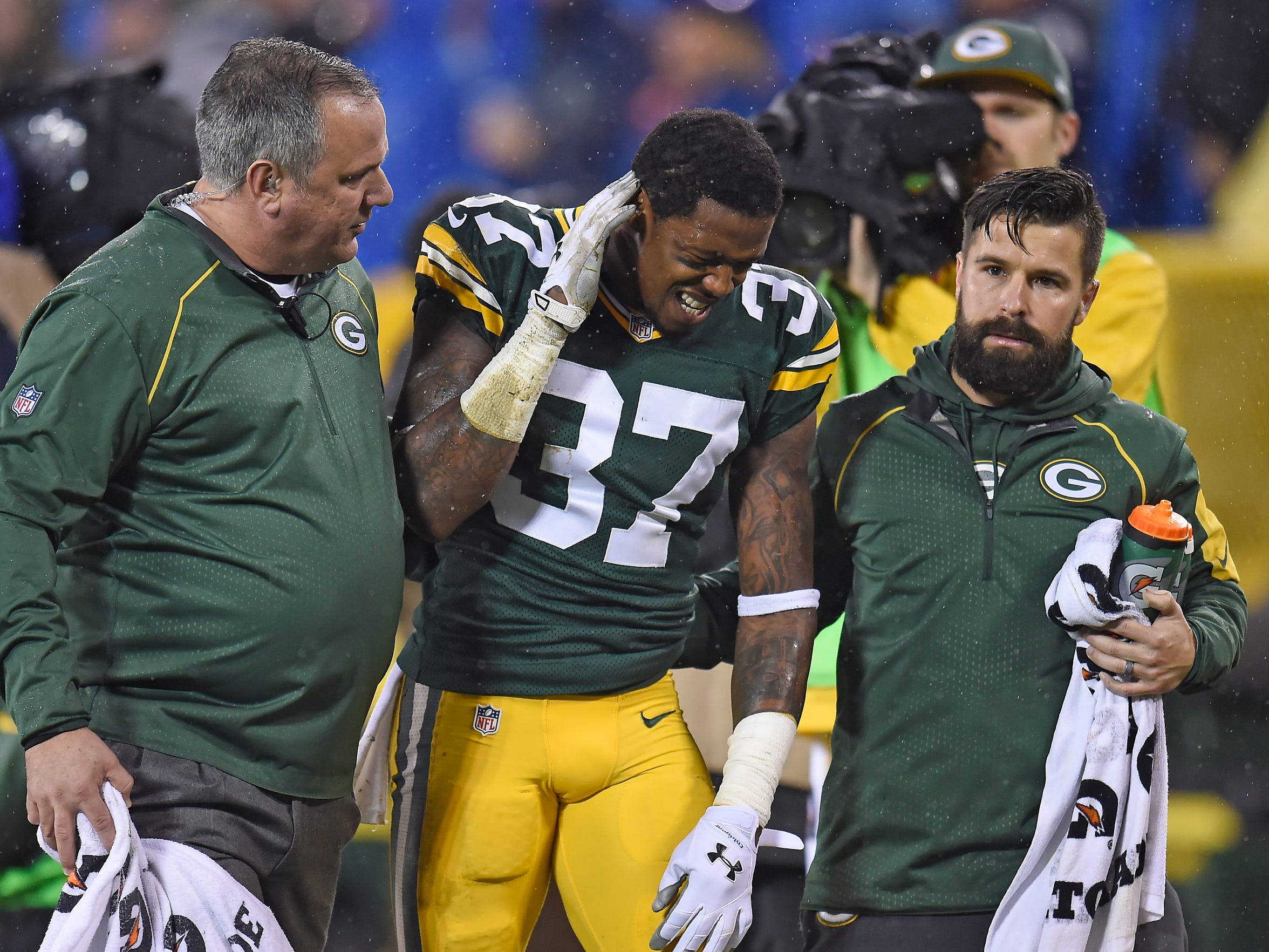 Green Bay Packers cornerback Sam Shields suffered a concussion in the Dec. 13 game against the Dallas Cowboys.