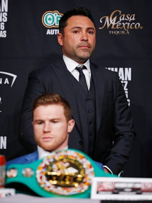 Oscar De La Hoya in May 2016 during a news conference with fighter Canelo Alvarez.