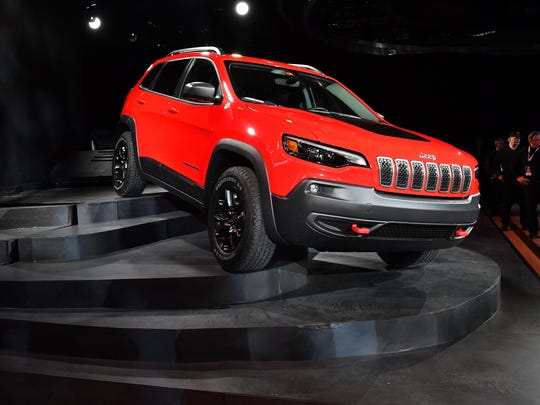 2018-0116-dm-naias-jeep-cherokee0120