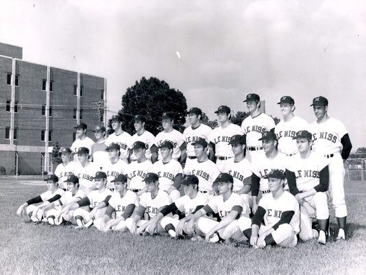 1972_Team.jpg