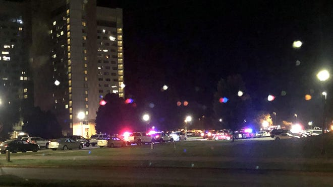 Police responded to Thompson Hall at Western Illinois University in Macomb Tuesday night to shooting that injured a student. The victim, who has not been identified, underwent surgery at an area medical facility. Police are seeking freshman student Kavion Poplous in connection with the case.
