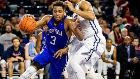 Presbyterian forward DeSean Murray, who averaged 20.2 points per game in 2015-16, announced Sunday he will be transferring to Auburn.