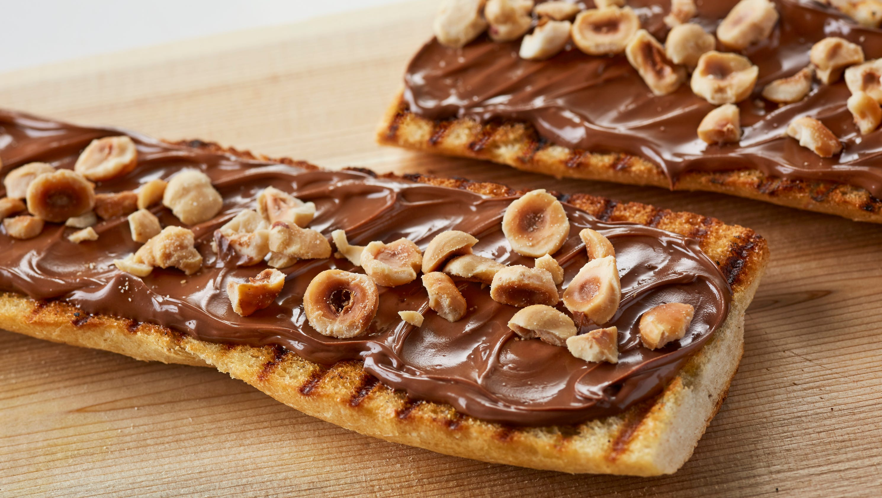 first permanent nutella cafe opens in chicago