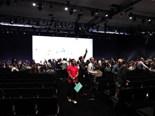 Crowd of developers gets ready for the start of WWDC