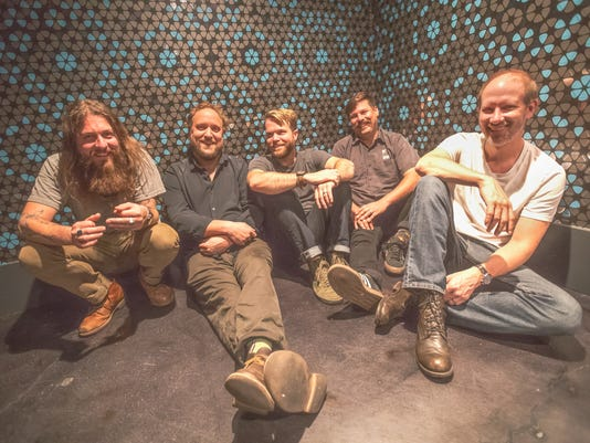636536114545829239-GREENSKY-BLUEGRASS-PRESS-PHOTO-2017-150dpi.jpg