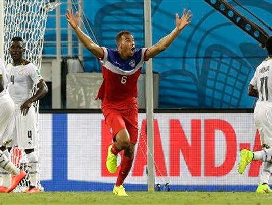 APTOPIX Brazil Soccer_Beye.jpg