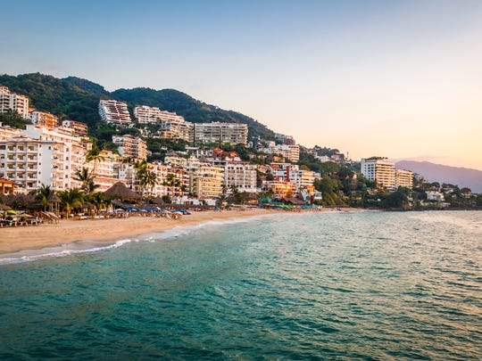 Darren Kittleson, an experienced real estate agent, said he was duped by a scam that conned him out of $24,000. The con artistsoffered to buy his week at Garza Blanca Resort in Puerta Vallarta, Mexico.