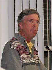 Former alderman Jeff Elliott spoke in favor of the