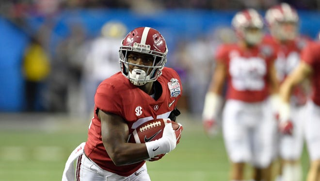 Gore (27) blocked a punt and ran for a 27-yard touchdown for Alabama in the 2016 SEC Championship Game.